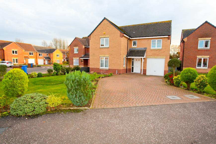 Groves Place, Glenrothes